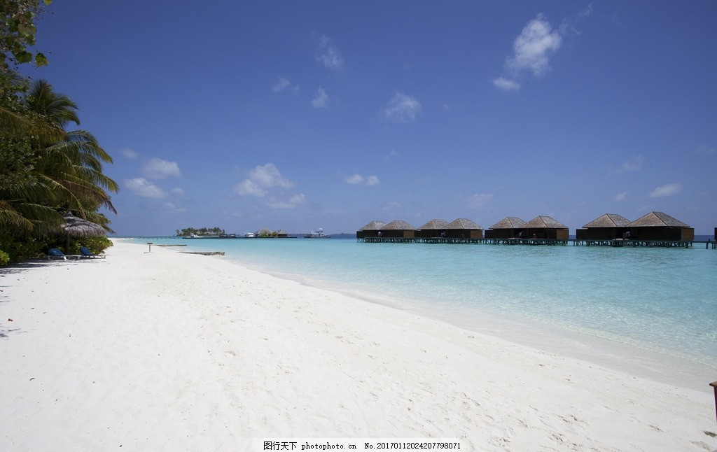 马尔代夫 船 屋子 房子 海岛 海滩 大海 夕阳 火烧云 椰子树 椰子
