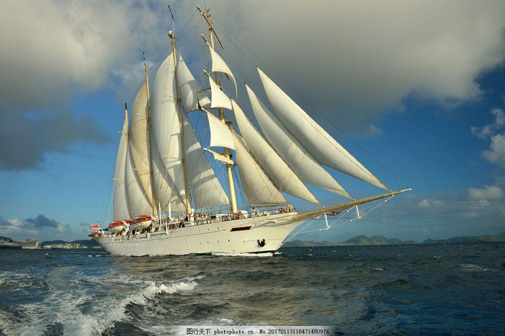 乘风破浪的帆船图片