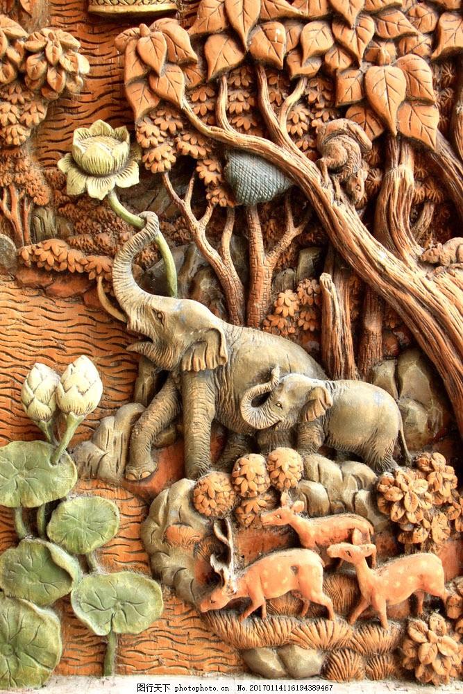 树林动物浮雕图片