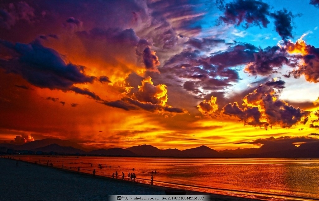 自然景观 山水风景  火烧云 晚霞 日落 唯美火烧云 天空 海边 傍晚的