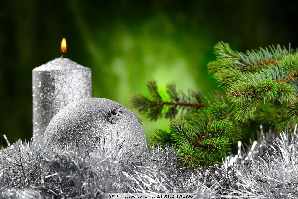 银色圣诞球与蜡烛 银色圣诞球与蜡烛图片素材 圣诞节 圣诞节元素
