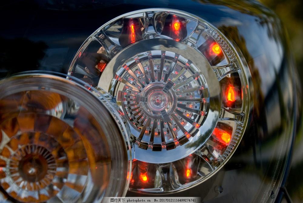 发光的车灯头图片素材 名车 跑车 轿车 豪车 豪华轿车 汽车 小车 车辆