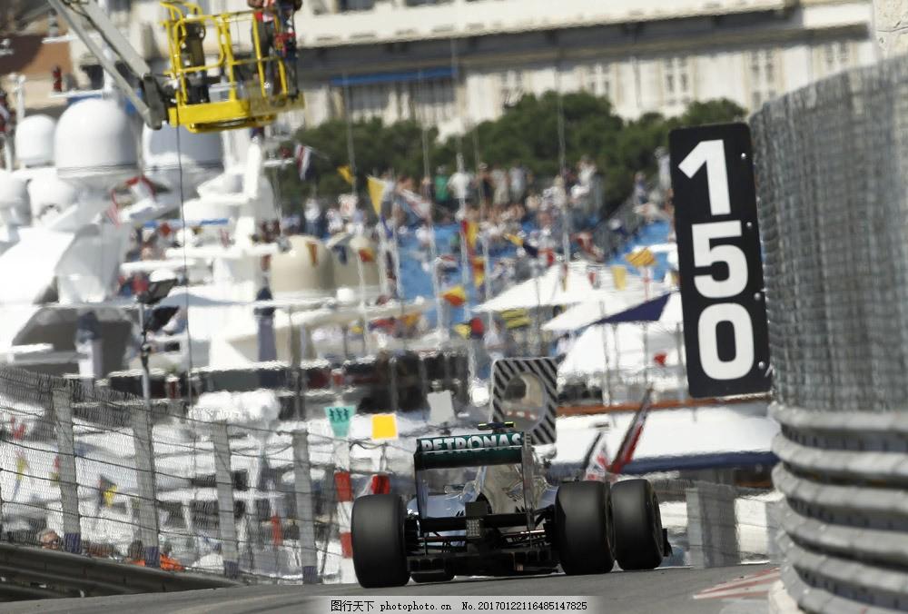 跑道上的赛车图片素材 赛车 赛道 轿车 汽车 工业生产 小车 交通工具