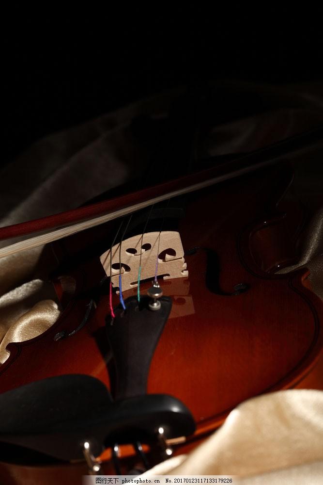 小提琴摄影 小提琴摄影图片素材 乐谱 五线音谱 音乐 乐器 影音娱乐