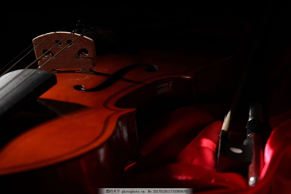 红色小提琴 红色小提琴图片素材 乐谱 五线音谱 音乐 乐器 影音娱乐