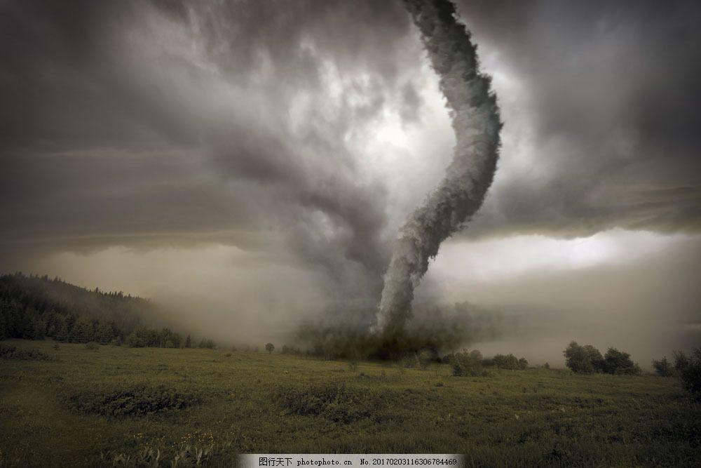 设计图库 高清素材 自然风景  龙卷风摄影图片素材 田野 草地 乌云 自
