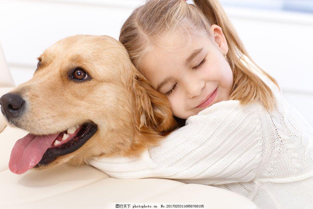 抱着小狗睡觉的小女孩图片素材 小女孩 小狗 狗狗 宠物 动物 可爱动物