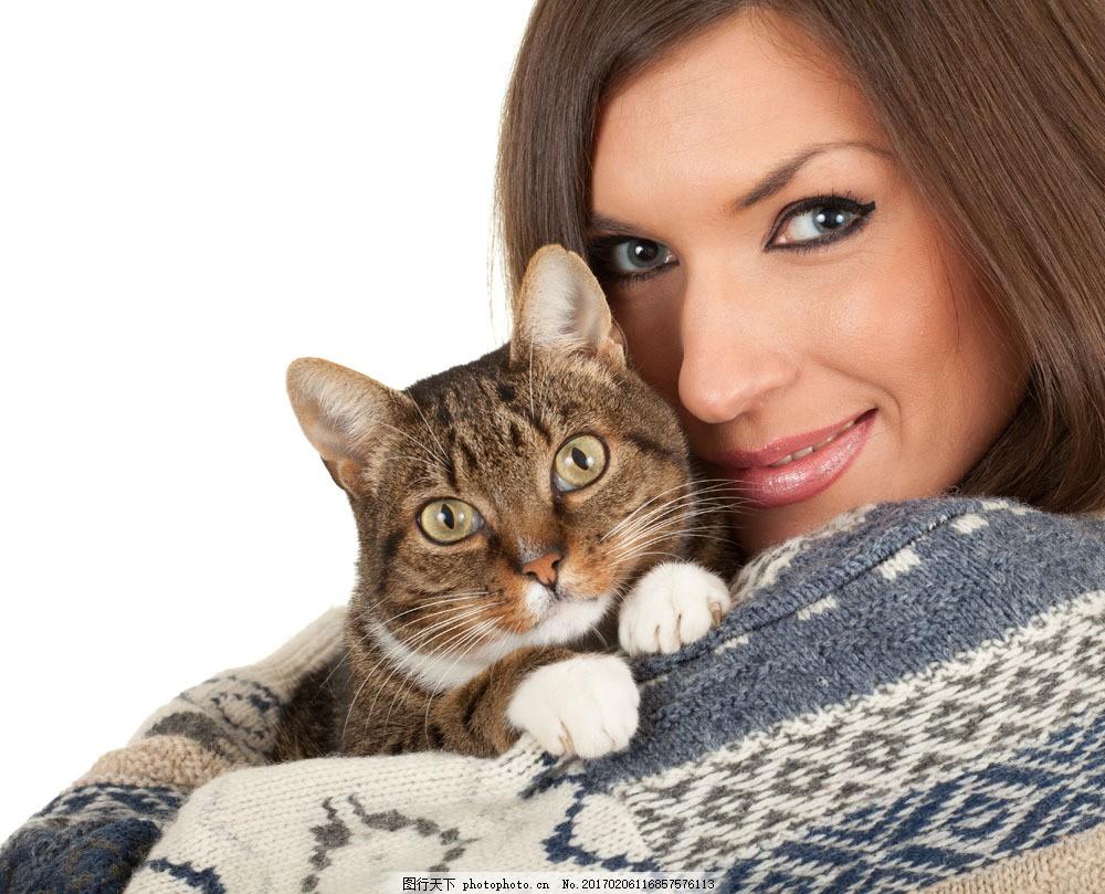 偎在美女怀里的小猫图片素材 美女 主人 小猫 猫咪 宠物 动物 可爱
