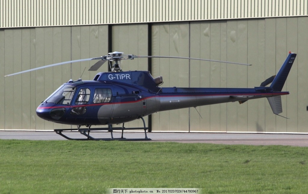 直升機 飛機 藍天 飛行 巡航 飛翔 攝影 螺旋槳 機艙 客機 攝影 現代圖片