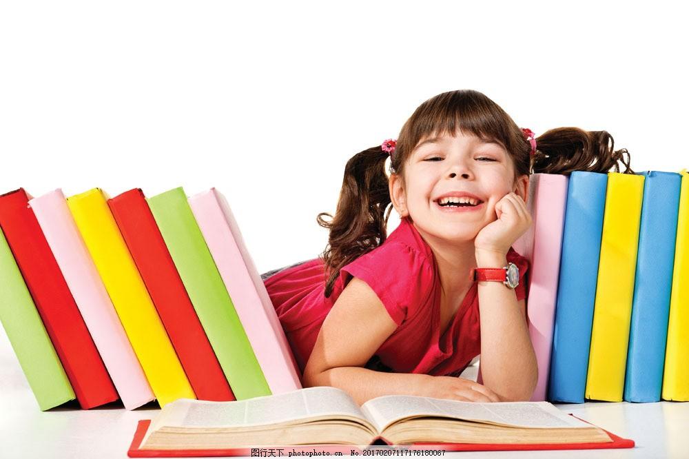 外国儿童 可爱小女孩 小学生 学习 看书的女孩 书本图片 生活百科