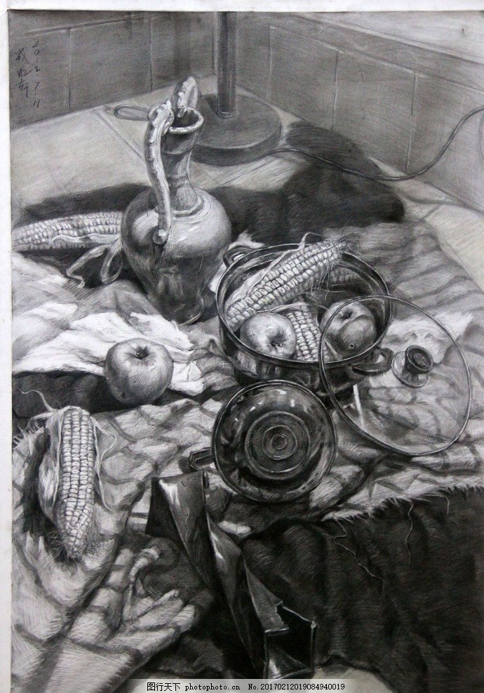 静物素描 素描静物 素描作品 罐子 玉米 苹果 艺术绘画