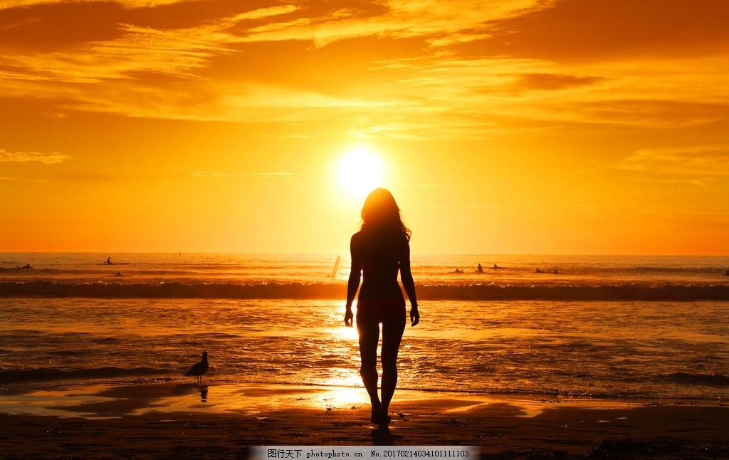夕阳 黄昏 大海 女人 背影 晚霞 彩霞 自然风景 摄影 自然景观 自然