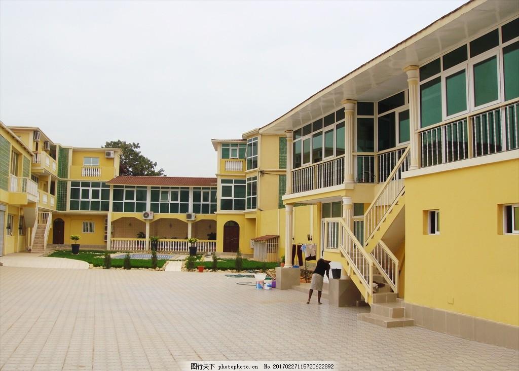 別墅小院 樓梯 臺階 地磚 鋁合金 門窗 小區 綠化 屋檐 建筑