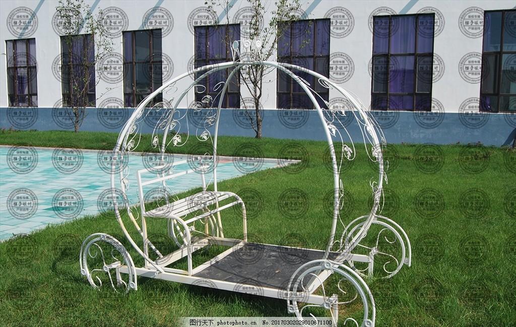 草地上的南瓜马车 婚礼 景观 小品 园林 铁艺 花架 装置 绿化
