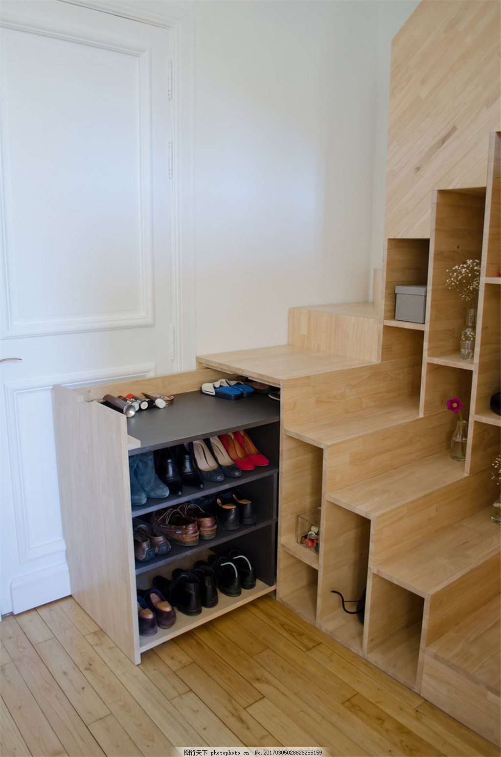 现代家居楼梯鞋柜装修效果图 室内设计 家装效果图 欧式装修效果图